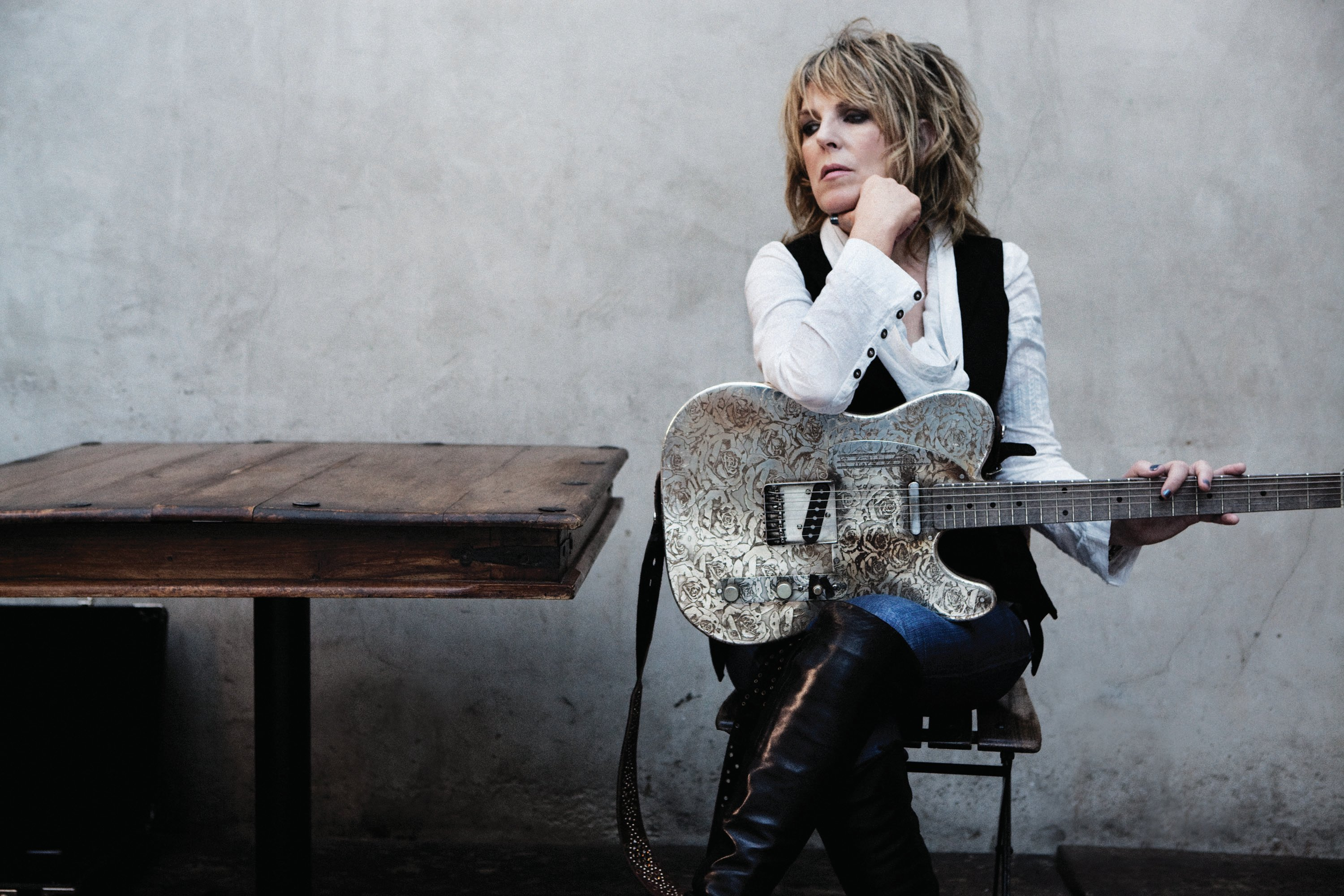 1443640211_lucinda-williams3